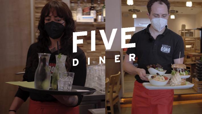Saskia und Basti kellnern im Five Diner